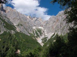 Bertgenhuette blick in das Schneekar 300x225 - Bertgenhütte 1846hm - Hochseiler - Berchtesgadener Alpen