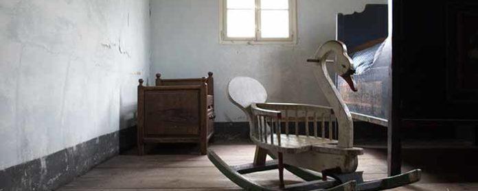 Freilandmuseum Bad Windsheim Kinderzimmer 696x279 - Trist,dunkel und langweilig!