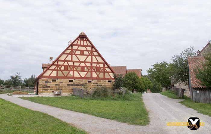 Open Air Museum Bad Windsheim farm timbered 700x445 - Trist, dark and boring!