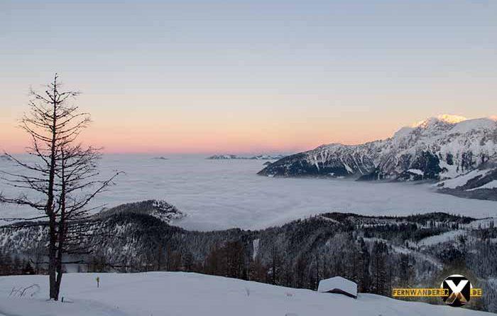 Watzmanhaus Schneeschuhtour Berchtesgardener Alpen 1 700x445 - Schneegate! Was ist jetzt mit diesem Schnee in den Alpen?!