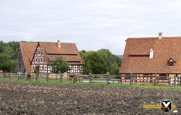 Freilandmuseum Bad Windsheim Alte bauernhäuser im Facherkstil 700x445 - Trist,dunkel und langweilig!