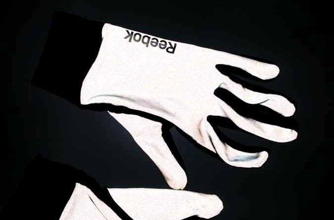 Hi Viz Handschuhe Rennrad Fahrrad joggen running nordic walking 1 675x445 - safe is not safe enough! Hi-Viz Handschuhe