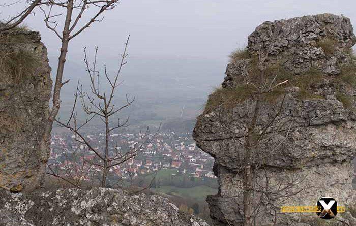Wandern am Walberla und Rodenstein Fernwanderer X de  4 700x445 - Walberla Wanderung - Das Tor zur Fränkischen Schweiz