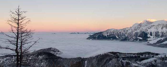 Watzmanhaus Schneeschuhtour Berchtesgardener Alpen 1 696x279 - Schneegate! Was ist jetzt mit diesem Schnee in den Alpen?!