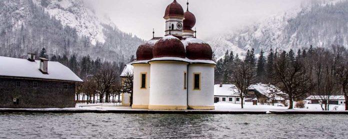 St bartholomae am K%C3%B6nigsee BLOG 696x279 - St. Bartholomä & Königssee - Alle wichtigen Informationen