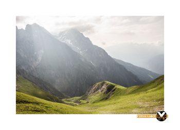 Parseierspitze Eisenkopf Darwinscharte Urlaub Tirol sonnenaufgang berge grashügel Bergsteigen Route Ansbacher 350x254 - Landscape photography in the Lechtal Alps around the Augsburger Hoehenweg