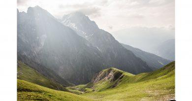 Parseierspitze Eisenkopf Darwinscharte Urlaub Tirol sonnenaufgang berge grashügel Bergsteigen Route Ansbacher 390x205 - Landschaftsfotografie in den Lechtaler Alpen um den Augsburger Höhenweg