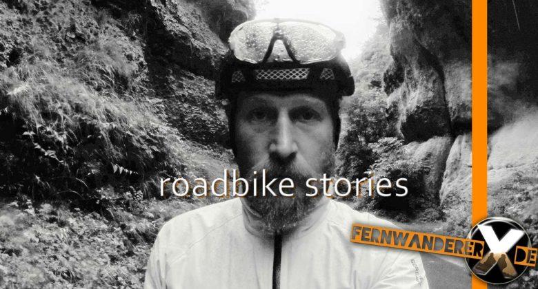 Rennrad Fahrer bei schlechtem Wetter